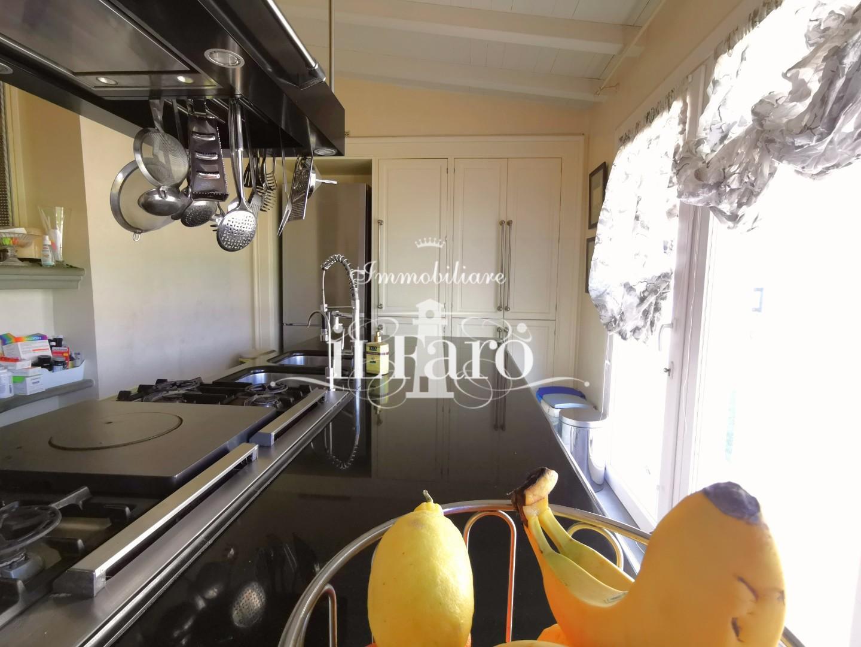 Porzione di casa in vendita, rif. P8000