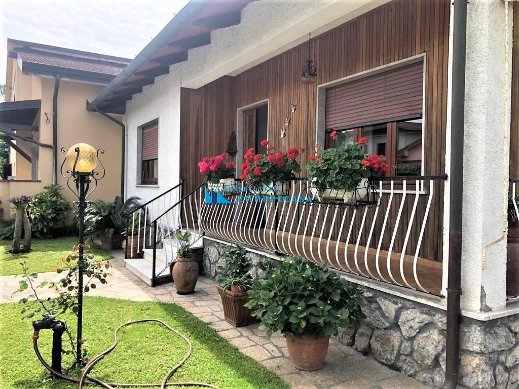 Casa singola in affitto vacanze a Montignoso (MS)