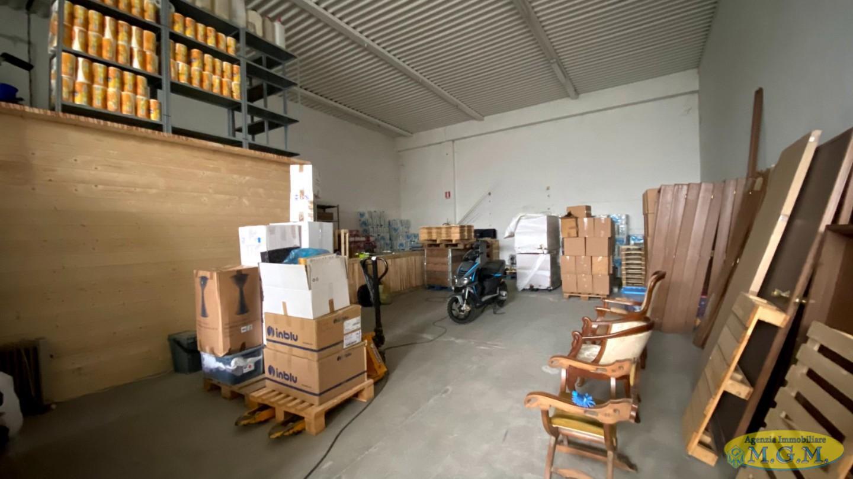 Capannone in vendita a Bientina, 3 locali, prezzo € 75.000   PortaleAgenzieImmobiliari.it