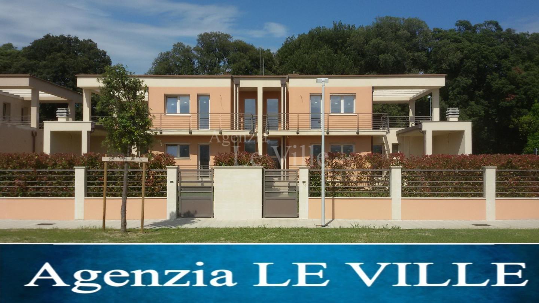 Villetta bifamiliare a Camaiore