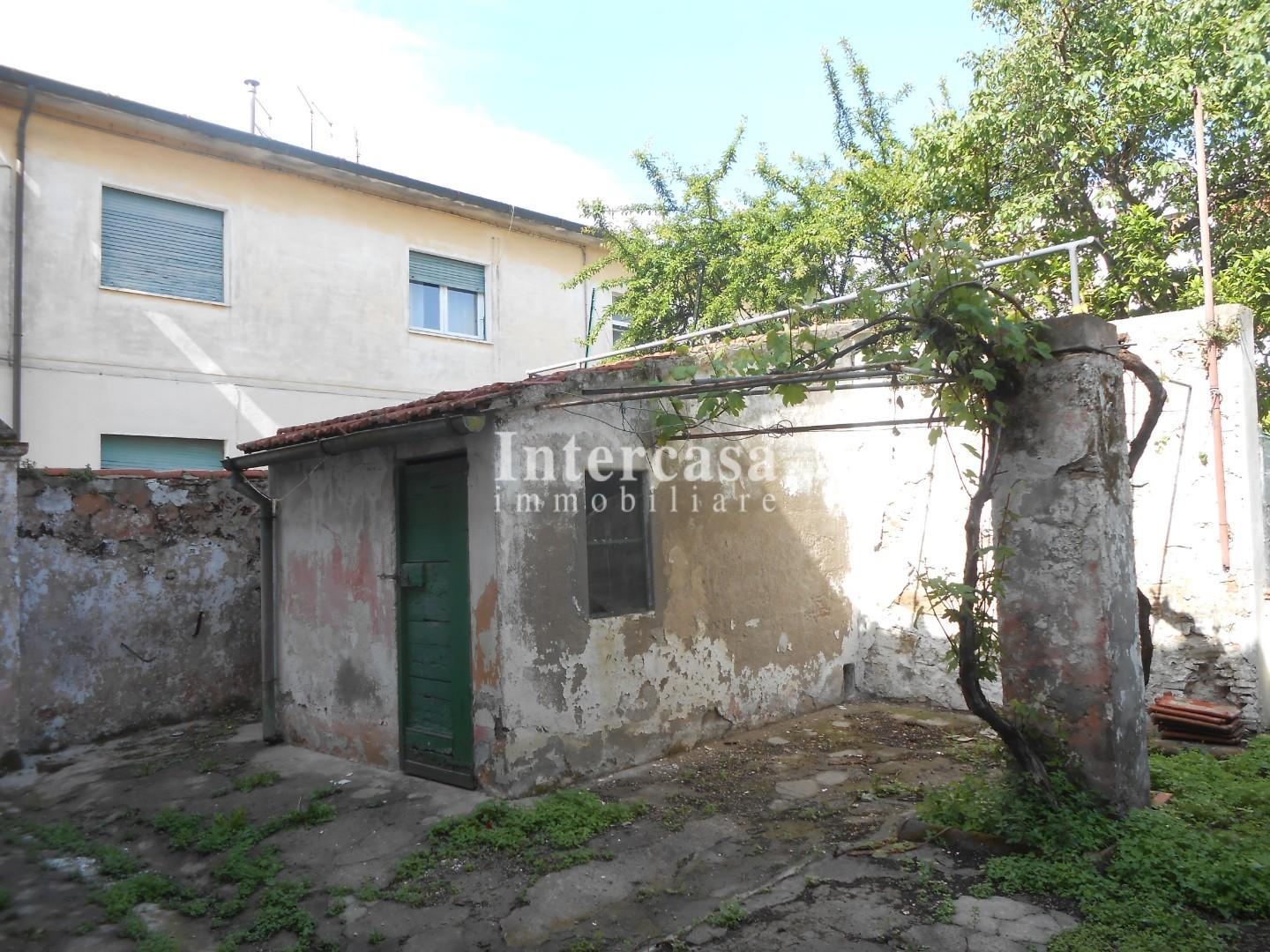 Townhouses for sale in Pisa