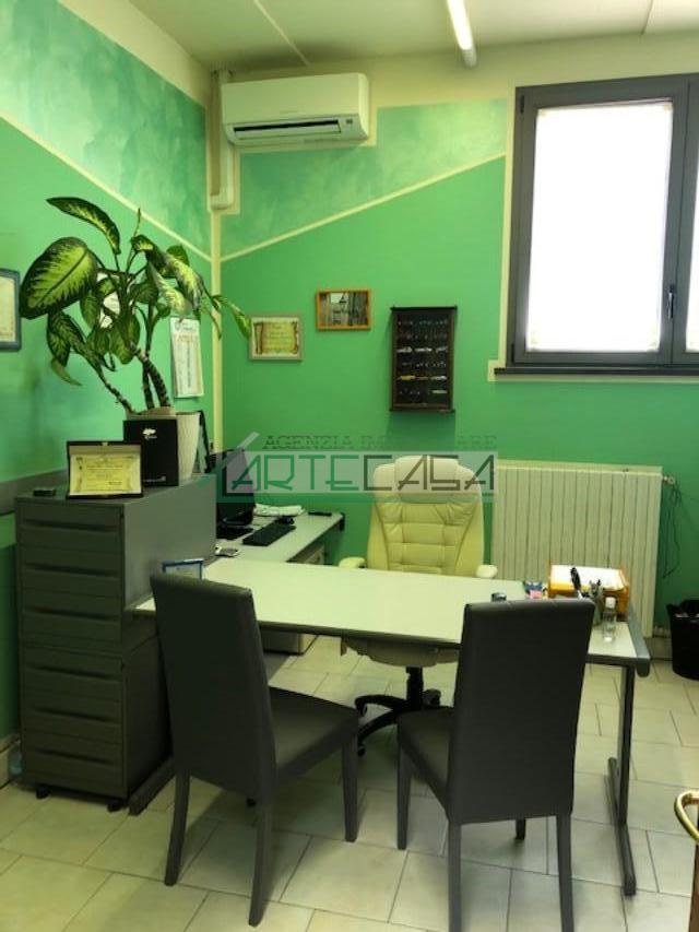 Ufficio in affitto commerciale, rif. AC6995