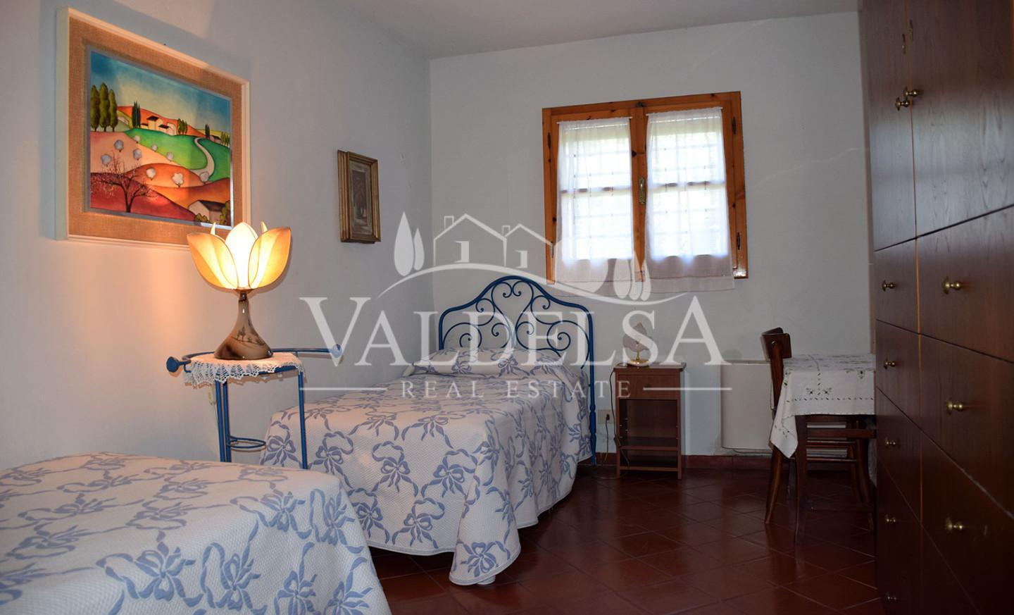 Portion of house for sale, ref. 662bis