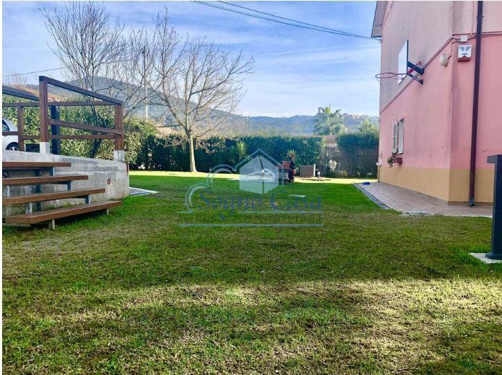 Casa semindipendente in vendita, rif. 107102