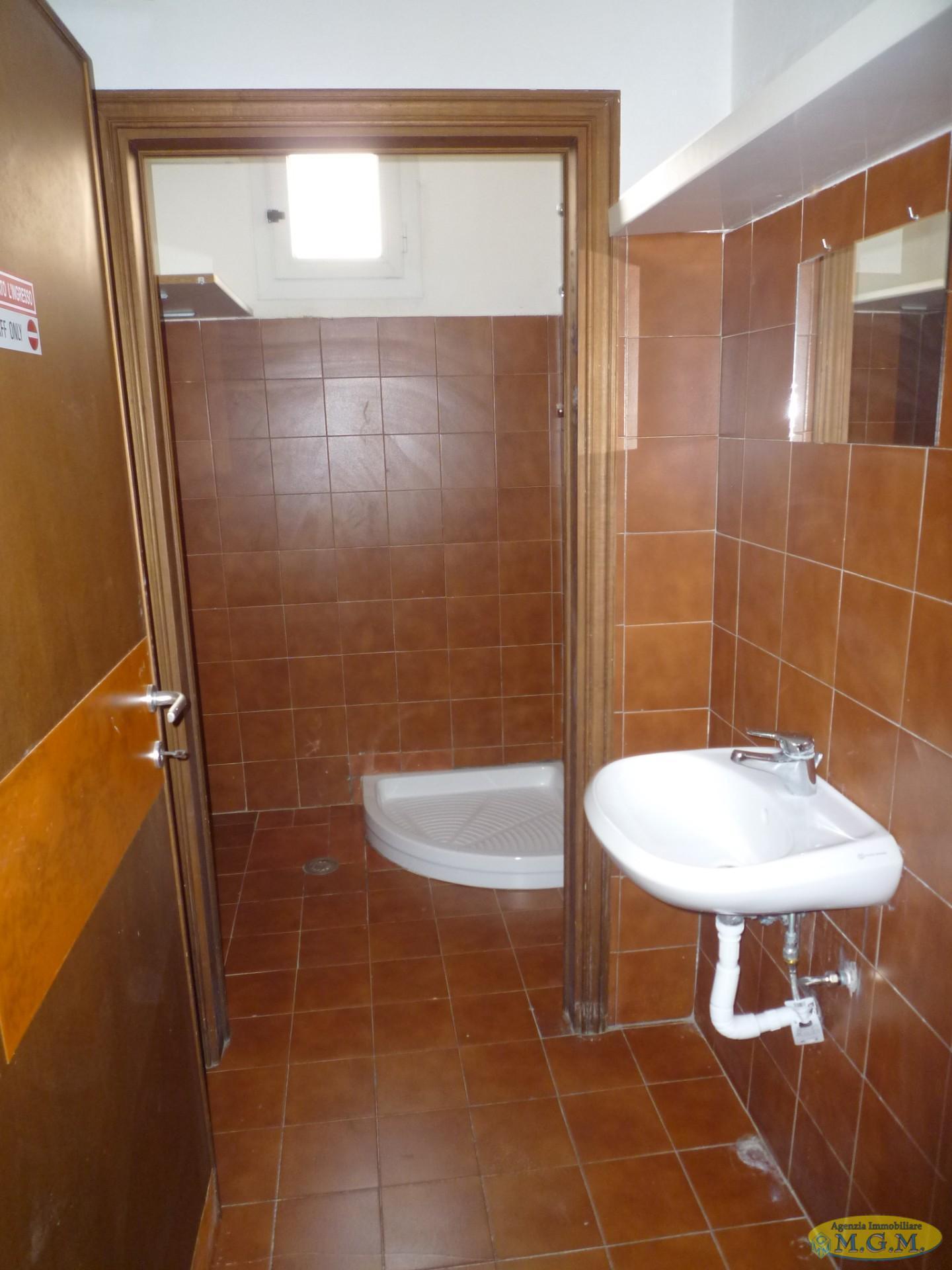Mgmnet.it: Locale comm.le/Fondo in affitto a Castelfranco di Sotto