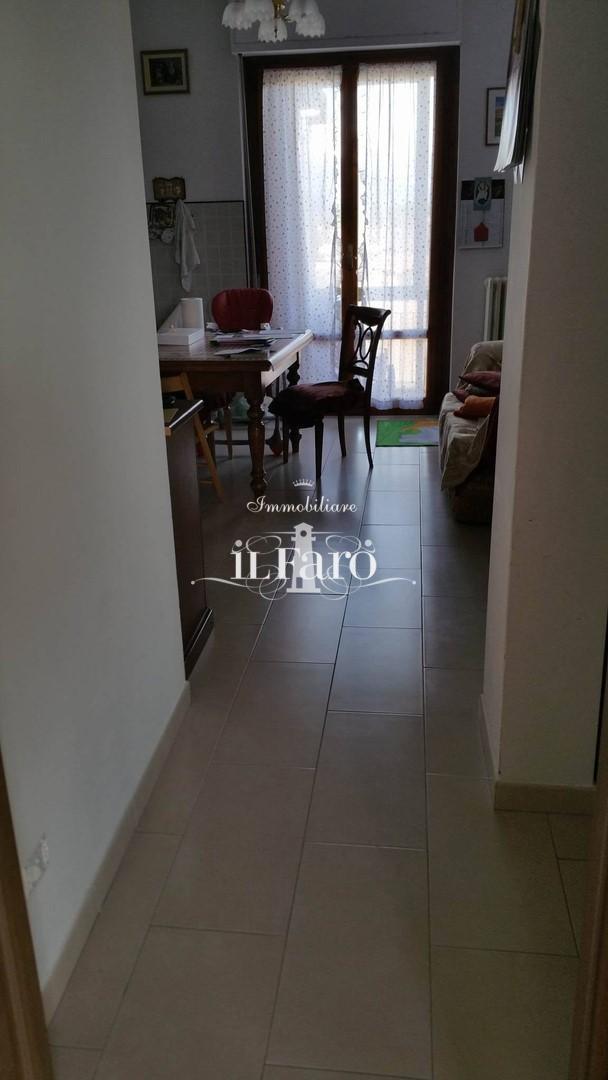 Appartamento in vendita, rif. 3711