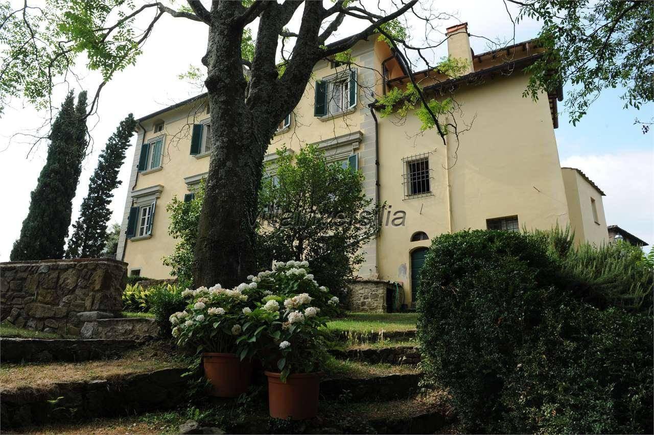 Foto 6/6 per rif. V 302021 villa storica Versilia