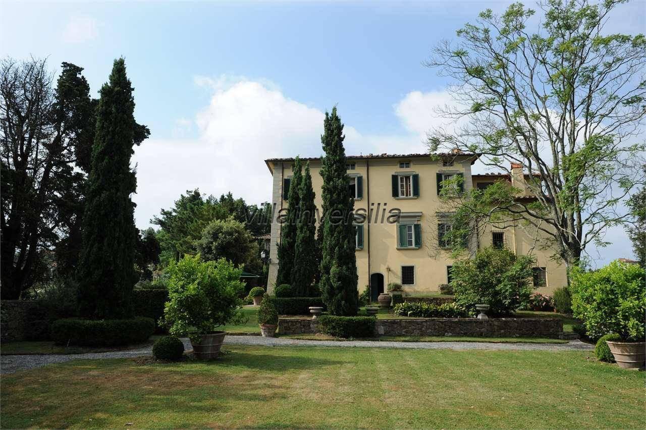 Foto 1/6 per rif. V 302021 villa storica Versilia