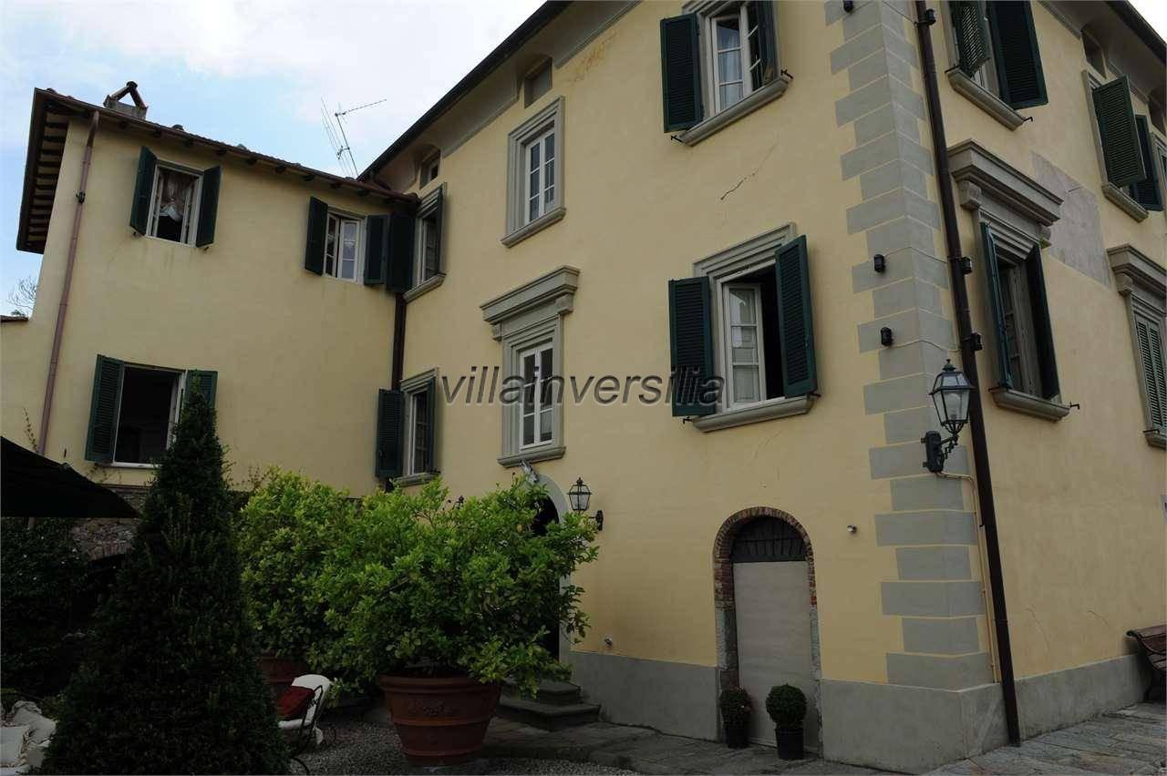 Foto 4/6 per rif. V 302021 villa storica Versilia