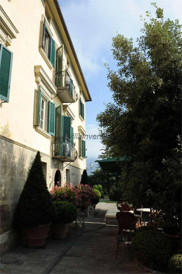 Foto 3/6 per rif. V 302021 villa storica Versilia