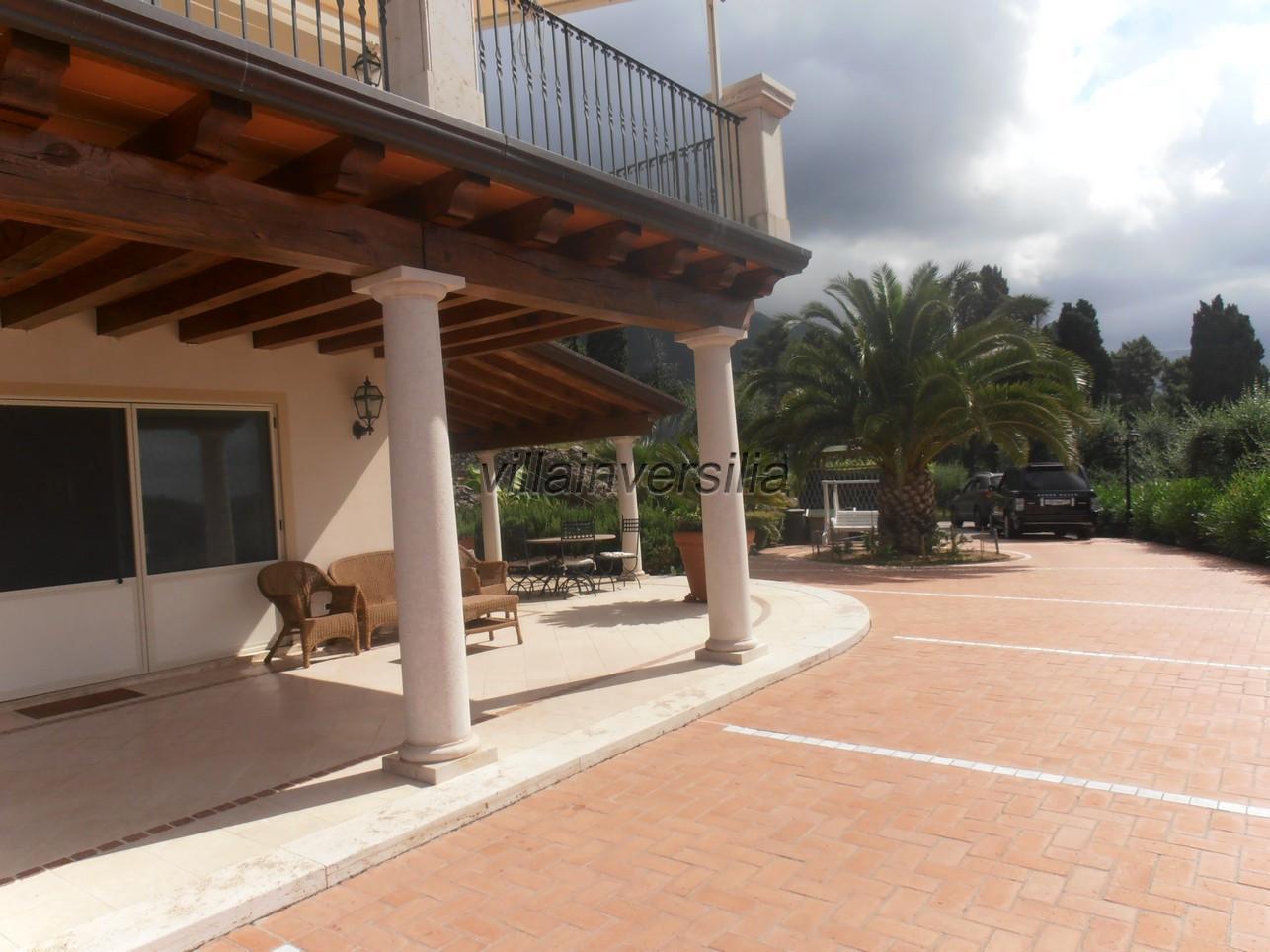 Foto 10/21 per rif. V 322021 villa piscina Versilia