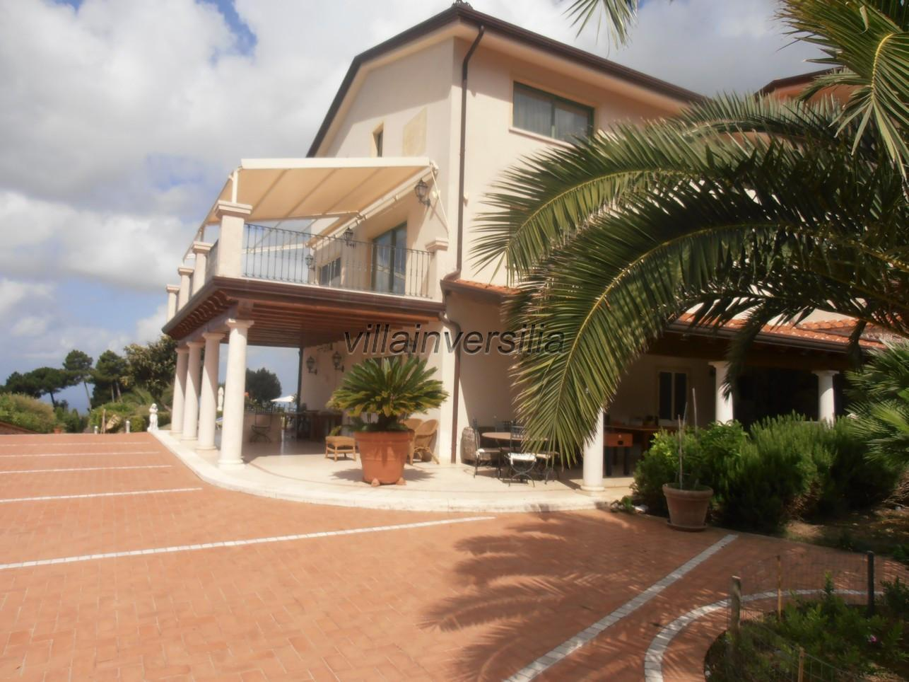 Foto 6/21 per rif. V 322021 villa piscina Versilia