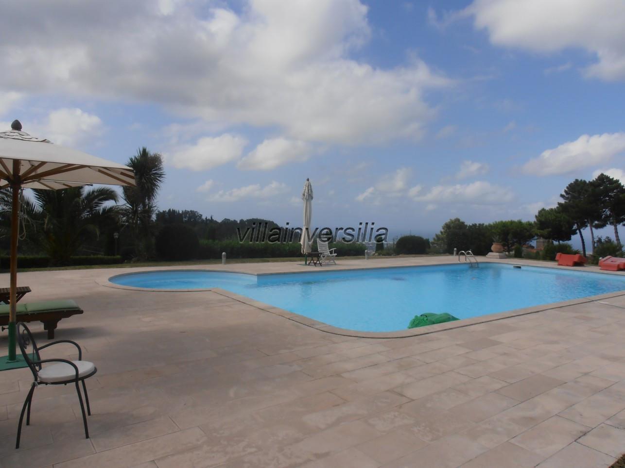Foto 3/21 per rif. V 322021 villa piscina Versilia
