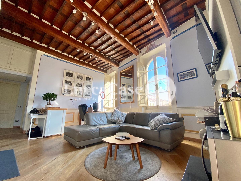 Appartamento in affitto, rif. F009H
