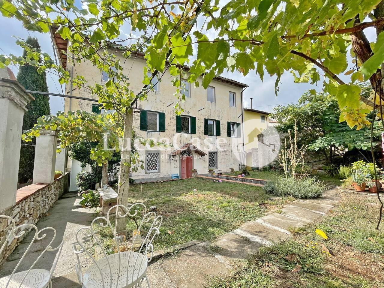 Casa semindipendente in vendita, rif. E024P