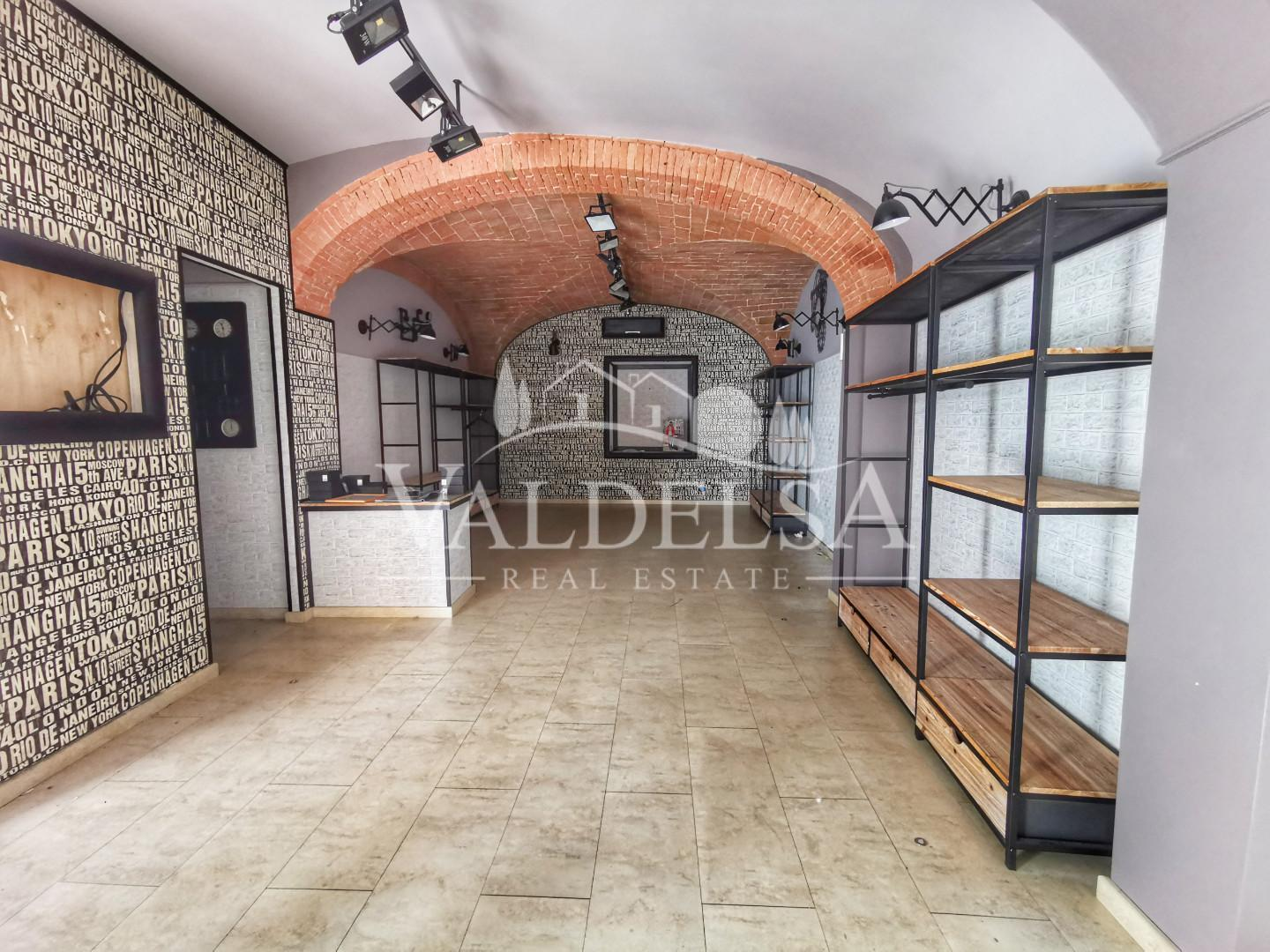 Business mall for sale in Poggibonsi (SI)