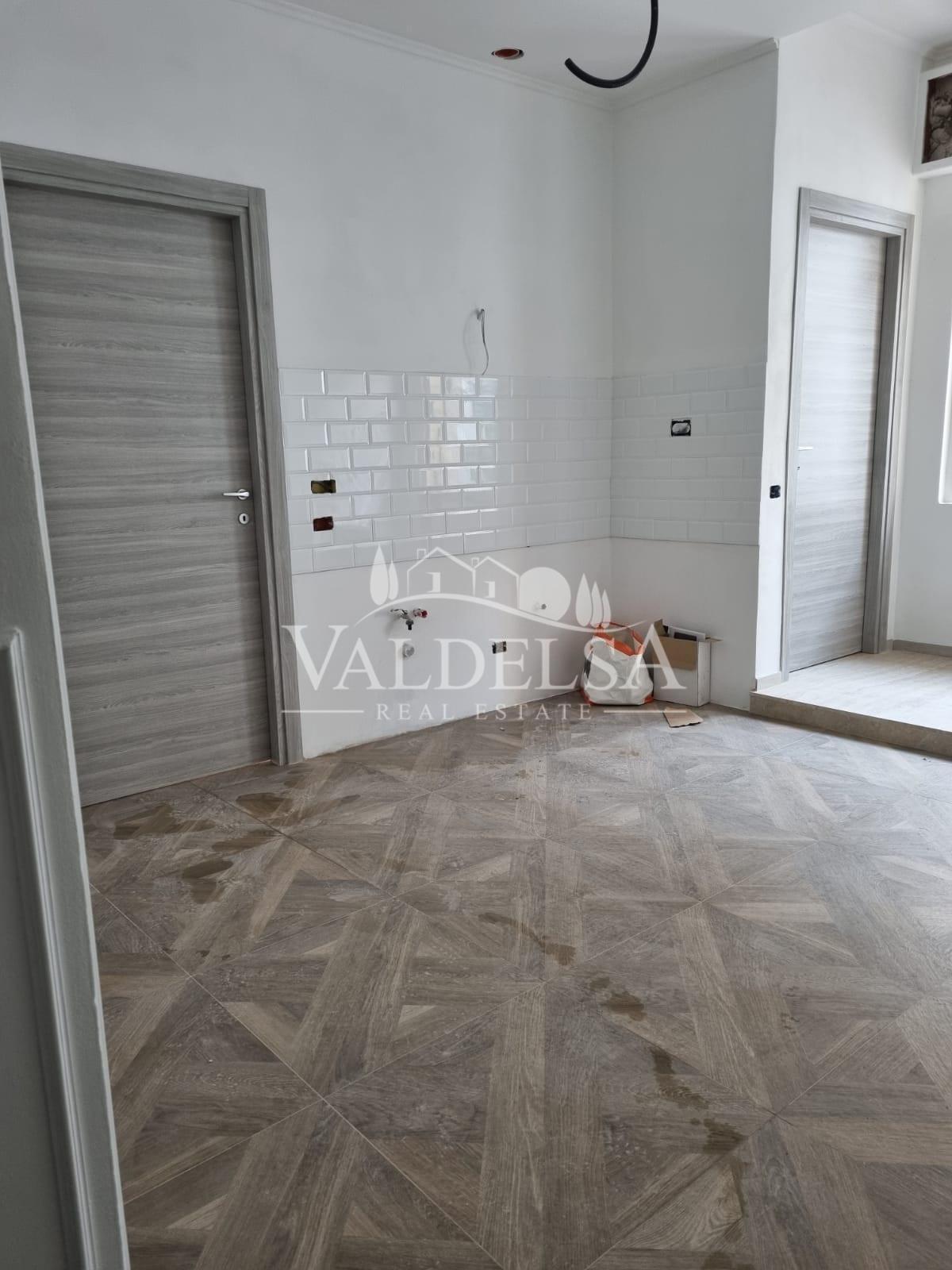 Appartamento in vendita, rif. 682